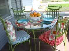 How to weatherize a wrought iron table set into patio furniture. So want to do this for my front porch. Iron Patio Furniture, Painted Furniture, Diy Furniture, Outdoor Furniture, Outdoor Decor, Outdoor Ideas, Porches, Iron Table, Diy Patio