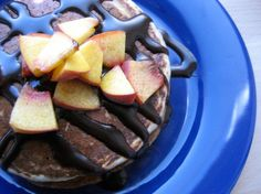 Pancakes mit Schokosirup zum Frühstück - so fängt der Tag schonmal gut an!