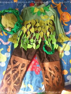 Disfraz de arbol Up Costumes, Theatre Costumes, Halloween Costumes, Fancy Dress, Dress Up, Tree Costume, Kids Fashion Show, Woodland Fairy, Minecraft Party