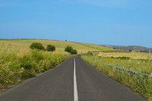 Strada asfaltata con colline Su #fotolia #microstockphotographs #microstockphotowebsite #microstockphotography #microstockphotowebsites #marketingonline #microstock #marketing #webdesign #design #designaneolife #ecommerceur #fastudio #SEO #web2014 #job #csstemplates #css #html #html5 #html5css3 #Websites #road