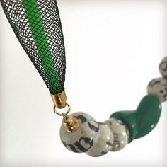Esperimento con rete, gomma, cartapesta e plastica.  .  .  #martapjewelry #jewels #fashion #milano #madeinitaly #porcelain #comolake #etsy #handmade #gioielli #moda #necklaces #collane #artigianato #bijoux #bigiotteria