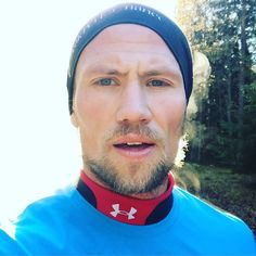 "Morning run in a Cold and beautiful forrest in Umeå. CrossFit Endurance drills week 4 one of which is 4x 1.30min repeats @ 100 cadence. ""Your never to good to drill""  #Crossfit #CrossFitEndurance #MorningRun #DoYouevenPose #ElToroLoFit #peterlarsson #ambassador #purepharma #purepharmasweden #FLAWD #ThisIsFLAWD #KeepMovingForward #outdoorlife #ConstantlyVariedHighIntensityInstagramPictures #Running"