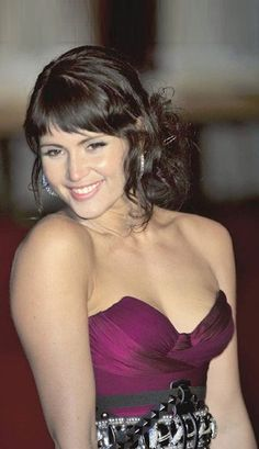 :) How are you Gemma Arterton? Love from Mark Shavick Beauty Full Girl, Beauty Women, Gemma Arteron, Gorgeous Women, Beautiful People, Gemma Christina Arterton, American Indian Girl, Actrices Hollywood, Hot Brunette