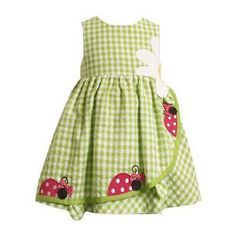 It's garden time! Your little girl will look so adorable in this green seersucker dress with crawling lady bugs and a darling daisy at the waistline. Toddler Dress, Toddler Outfits, Baby Dress, Kids Outfits, Dress Girl, Sewing Kids Clothes, Baby Sewing, Doll Clothes, Babies Clothes