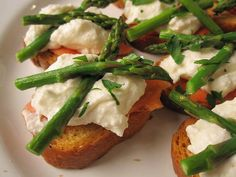 How yummy does this look? Asparagus Crostini with Smoked Salmon