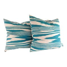Neuss pillows by Missoni Home. Done in a moire pattern on linen in a beautiful turquoise color. Throw Cushions, Linen Pillows, Turquoise Color, Soft Furnishings, Missoni, Home Accessories, Pairs, Beach House, Fabric