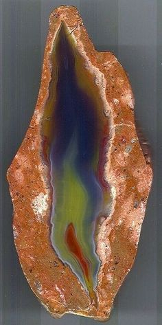 Flame-like agate