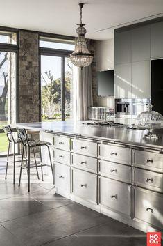 Home decoration kitchen La Cornue, New Kitchen, Kitchen Island, Kitchen Decor, Classical Kitchen, Design Your Life, Industrial House, Modern Kitchen Design, Villa
