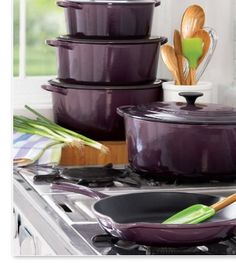 Who would not want purple cookware? Le Creuset Cassis A FRESH SHADE OF COOKWARE We partnered with Le Creuset to bring you an amazing collection of stoneware, cast iron and kitchen tools in a gorgeous new color. Made in France since Kitchen Art, Kitchen Items, Kitchen Gadgets, Kitchen Decor, Kitchen Stuff, Kitchen Corner, Dining Decor, Kitchen Dishes, Purple Kitchen
