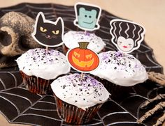Black Cats, Pumpkins, Frankenstein & his bride. Free printable Halloween cupcake toppers from FamilyFun.com
