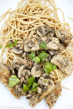 Clean Eating Mushroom And Rosemary Pork Scallopini! I asked her for a recipe and she found one for me! Thankful for this! paleo lunch no heat Healthy Eating Recipes, Low Calorie Recipes, Clean Eating Recipes, Real Food Recipes, Cooking Recipes, Eating Clean, Healthy Dinners, Healthy Foods, I Love Food