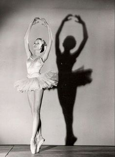 At twelve years old, Brigitte Bardot entered the ballet school. That's when she found something to be passionate about. Two hours of classes at the bench was very tiring, but she dreamed of become a ballerina. Soon she left school and began taking lessons from a Russian dancer Boris Knyazev, but eventually drop out. Being tall limited her carrer as a ballet dancer.