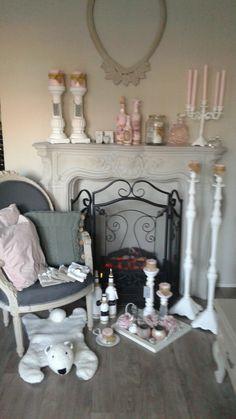 Brocante spulletjes op Tua-Casa restylen van oud naar nieuw, facebook site.