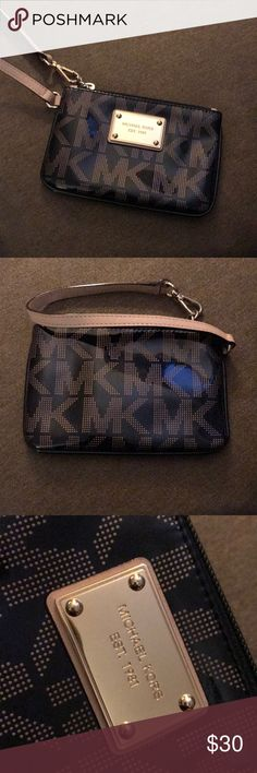 Michael Kors wristlet Michael Kors Wristlet. Like new. No imperfections. 100% authentic KORS Michael Kors Bags Clutches & Wristlets