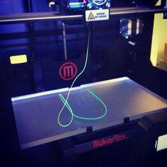 3D PRINTER: INNOVATION @ THE EDGE  REPLICATOR 2