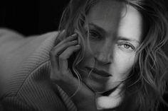 """Uma Thurman über das Shooting mit Peter Lindbergh: """"Die Leute haben manchmal eine Vorstellung von einem. Sie wollen einen anders, vielleicht mehr sexy oder auch interessanter, als man ist. Aber bei Peter gibt es keine solchen Vorstellungen."""""""