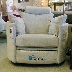 Fama Moon Chair with Electric Motion in Grey Problems finally decided to … Loft Furniture, Furniture Design, Furniture Outlet, Furniture Ideas, Living Room Sofa Design, Living Room Chairs, Swivel Recliner Chairs, Sleeper Sofas, Sectional Sofas