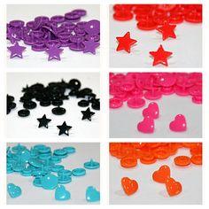 Nuevos Snaps en forma de corazón y estrellas. Estos cierres de plástico son lo mejor :-) + info en: http://www.janetjul.com/es/accesorios/snaps