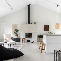 "E L I N A  T O M M I L A on Instagram: ""Takka on meidän kodin sydän.  Fireplace is the heart of our home.  #fireplace #skandinavianhome #skandinaavinenkoti #skandinaviskehjem…"" Concrete Floors, Flooring, Furniture, Instagram, Home Decor, Decoration Home, Room Decor, Concrete Floor, Wood Flooring"