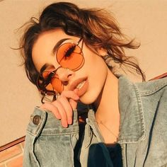 GUVIVI Fashion New 2018 Round Sunglasses Women Vintage Metal Frame Pink Yellow Lens Colorful Shade Sun Glasses Gafas de sol mujer Vintage Mode, Vintage Metal, Vintage Ladies, Vintage Woman, Vintage Vibes, Vintage Yellow, Retro Vintage, Tumblr Photography, Girl Photography Poses