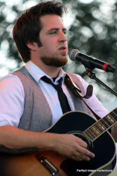 Dec.19/13 article from examiner.com: Lee DeWyze 'Frames' His Moments and Shares them at Lauderdale Live 2013