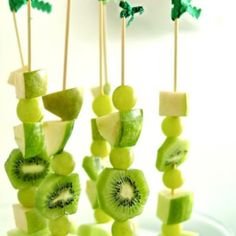 All Green Fruit Skewers {St. Patrick's Day Food} | #paleo | FOLLOW Lex from cavemenworld.com at pinterest.com/bluecave/