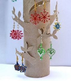 12 Awesome Paper Quilling Jewelry Designs To Start Today – Quilling Techniques Paper Quilling Jewelry, Paper Jewelry, Paper Beads, Quilling Earrings, Paper Earrings, Craft Fair Displays, Jewellery Storage, Jewellery Display, Toilet Paper Roll Crafts