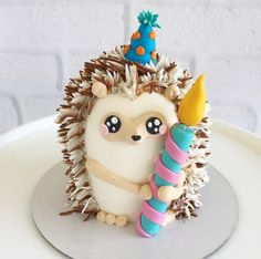 Hedgehog cake for First Birthday party kuchen ostern rezepte torten cakes desserts recipes baking baking baking Fancy Cakes, Mini Cakes, Cupcake Cakes, Dog Cakes, Fondant Cakes, Fondant Bow, Fondant Flowers, Pretty Cakes, Cute Cakes