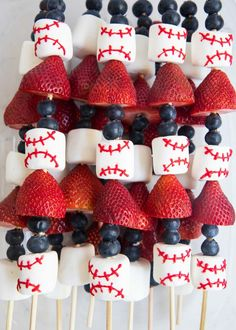Baseball fruit skewers with marshmallows, strawberries and blueberries - a quick and tasty snack idea for kids game, baseball party and more! Baseball Theme Birthday, Boys First Birthday Party Ideas, Sports Birthday, Baby Boy 1st Birthday, Birthday Party Themes, Birthday Snacks, Birthday Games, Baseball Theme Food, Baseball Themed Baby Shower