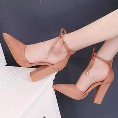 9a8cc49857 2018 mulheres verão sapatos de salto alto sandálias gladiador pérola fivela  mulheres cinta bombas ponto toe