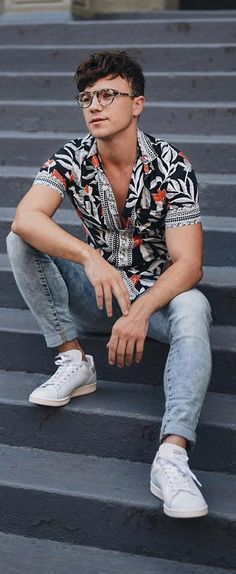 15 Trendy Printed Shirt Outfit Ideas For Men To Try Now - Addidas Shirt - Ideas of Addidas Shirt - Amazing Printed Shirt Outfit Ideas For Men To Try Men Looks, Style Casual, Men Casual, Style Men, Addidas Shirts, Stylish Mens Fashion, Men Fashion, Fashion Menswear, Ladies Fashion
