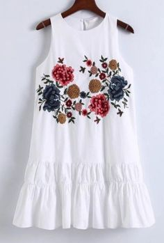 New Embroidery Clothes Women Embroidered Dresses 60 Ideas Casual Tops For Women, Blouses For Women, Country Chic Dresses, Cheap Boutique Clothing, Summer Dresses For Women, Ladies Dresses, Embroidery Fashion, Embroidery Ideas, Denim Top