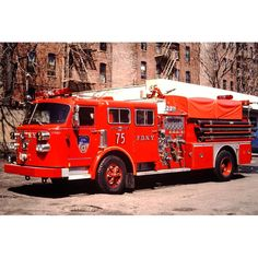 FDNY E75 - 1983 American LaFrance 1000gpm pumper #fdny #fdnyrigs #fdnyinsta #vintagefdny #fireappara - mcl212