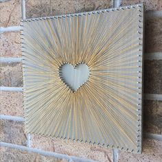 Reverse String Art Heart - Gold inspiration - larger heart so a photo can be placed in the center. Reverse String Art Heart - Gold inspiration - larger heart so a photo can be placed in the center. String Art Heart, String Wall Art, Nail String Art, String Crafts, Diy Wall Art, Diy Wall Decor, Heart Wall Art, String Art Patterns, Creation Deco