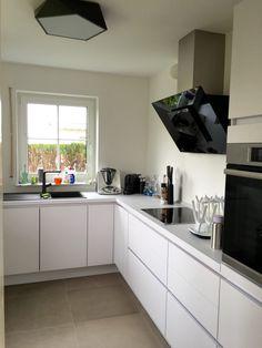 Weiße Küche ohne Griffe matt * Küchenideen Cocojana ...
