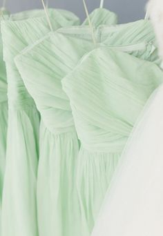 Mint Bridesmaids Dresses Elizabeth Millay Photography 2013 Spring Wedding Trends really likin the mint Mint Green Bridesmaid Dresses, Mint Dress, Bridesmaid Colours, Bridesmade Dresses, Dresses Dresses, Long Dresses, Chiffon Dress, Wedding Dresses, Wedding Trends