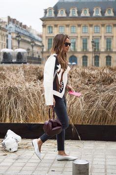 Es rusa, pero es morena y baja. Miroslava Duma mide solo 1,50 mts, y eso no le ha impedido convertirse en una de las mayores influenciadoras de la moda!