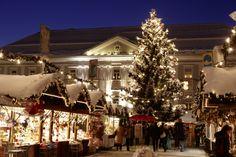 *Christkindlmarkt am Neuen Platz* in Klagenfurt (Austria).