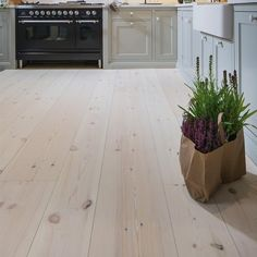 62 ideas living room grey wood floor inspiration for 2019 Living Room With Fireplace, Living Room Grey, Home Living Room, Grey Wood Floors, Hardwood Floors, Wooden Screen, Living Room Flooring, Wood Laminate, Scandinavian Home