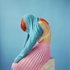 "Photographer Amanda Jasnowski toys with faceless portraiture and the ""therapeutic power of art""."