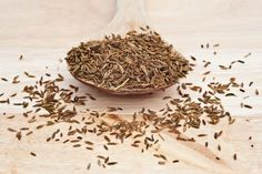 Nigella Sativa, Oriental, Spices And Herbs, Korn, How To Dry Basil, Natural Remedies, Decorative Bowls, Natural Home Remedies, Natural Medicine