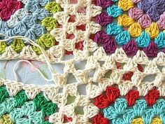 There are loads of methods of joining (granny) squares, my method is just one, and may not even be the best. But I like this one because once you get it -and to be honest, there isn't that much to get!- you can do it without much thinking. And I also like how the joining 'seam' looks almost seamless. Especially if you use the same colour as the final round in each square.