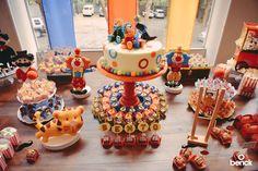 Para comemorar o aniversário de 1 ano do Bento, a festeira Rubia de Lima, de Passo Fundo (RS) se inspirou nos circos de antigamente. Tudo ficou delicado e cheio de charme. Confira!