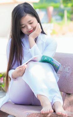 Best 12 30 Most beautiful girls with Vietnamesse traditional Aodai – SkillOfKing. Korean Beauty Girls, Beauty Full Girl, Asian Beauty, Beautiful Girl Image, Beautiful Asian Women, Cute Asian Girls, Sexy Hot Girls, Indian Girl Bikini, Asian Model Girl