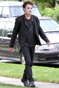 Anton Yelchin films a scene on the set of Shakespeare's Cymbeline in Brooklyn on August 26. Anton, are you sure you're on the right set? The Criss Angel magic show is shooting over that way.