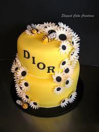 Bee hive & daisy cake