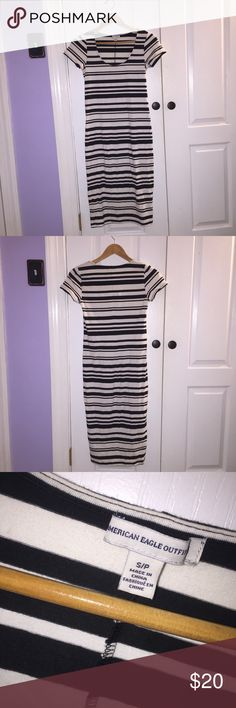 💋 American Eagle 💋 B&W striped bodycon dress This dress has never been worn and is just like new! It hugs your curves and the length goes a little bit past the knees (I'm 5'5). Super cute to dress up with some heels or dress down with a jean jacket and some sneakers. I'm open to all offers so feel free to comment, share, and check out the rest of my closet :) American Eagle Outfitters Dresses Midi