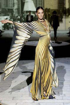 Roberto Cavalli Spring 2007 Ready-to-Wear Fashion Show - Emina Cunmulaj
