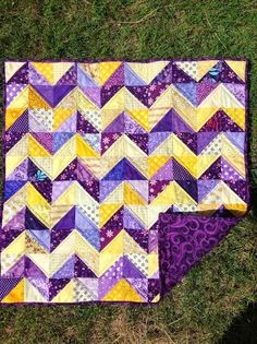 HST Chevron Quilt in yellow/purple Scrappy Quilts, Easy Quilts, Owl Quilts, Cute Quilts, Quilting Projects, Quilting Designs, Quilting Templates, Quilting Ideas, Half Square Triangle Quilts Pattern
