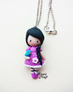 Entièrement à la main collier poupée en argile polymère moulé  Vous pouvez choisir une de ces poupées douces en choisissant la couleur de la robe !